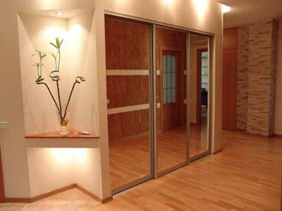 Шкаф-Купе Встроенный в Нишу 3 зеркальные Двери