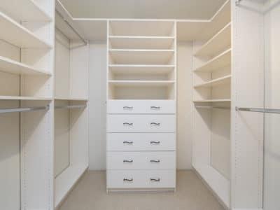 Шкаф в Гардеробную в Белом цвете